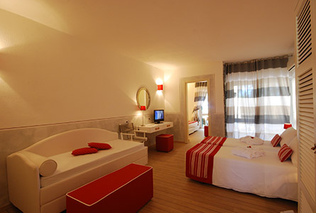 Club Hotel Ancora + Nave