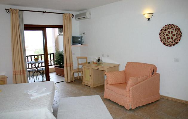 Hotel Club Li Graniti