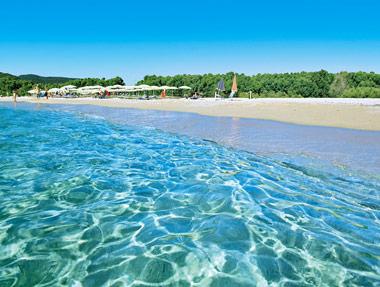 Hotel costa rei tutti gli hotel sulle spiagge pi belle - Spiaggia piscina rei ...